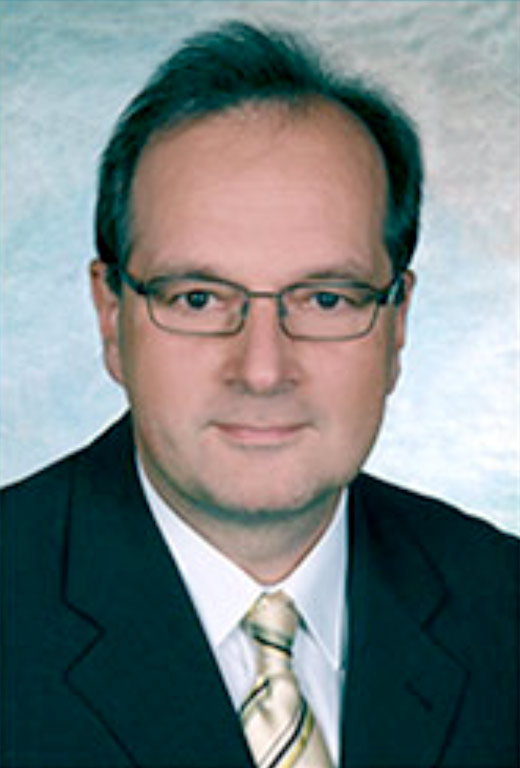 Dr. Raimund Schwarz
